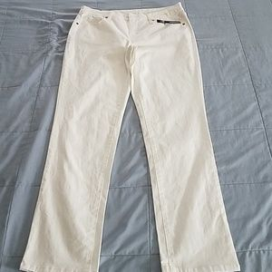 NEW DIRECTIONS WHITE JEANS SIZE 8R